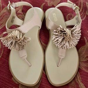 Michael Kors Pom sandal EXCELLENT